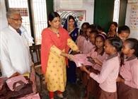 450 बच्चों को मिला यूनिफार्म