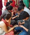 करवाचौथ को लेकर बाजारों में उमड़ी महिलाओं की भीड़