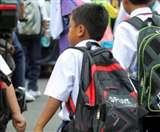 दिल्ली के लाखों छात्र-छात्राओं के लिए खुशखबरी, जल्द कम होगा स्कूल बैग का वजन