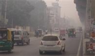 हवा में बढ़ा प्रदूषण का जहर, एक्यूआइ पहुंचा 400 के करीब