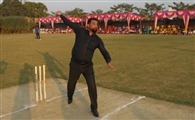 क्रिकेट खेलें मगर पढ़ाई न छोड़ें: चेतन शर्मा