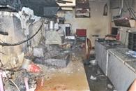 रेस्टोरेंट के किचन में लगी आग..बाल-बाल टला हादसा