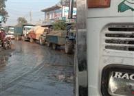 ओवरलोड वाहनों से लगता जाम क्षेत्रवासी परेशान