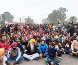 School में बच्ची से दुष्कर्म मामले में गुस्साए लोग धरने पर बैठे, Amritsar-Jalandhar Highway जाम