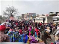 कपड़ा मार्केट रोड पर सजा रेहड़ी फड़ी बाजार, नहीं चेता निगम