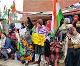 लखनऊ में CAA-NRC को लेकर महिलाओं और बच्चों का प्रदर्शन जारी