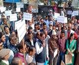 निगम, प्राधिकरण और सर्किल रेट के खिलाफ कांग्रेसियों ने निकाली पदयात्रा nainital news