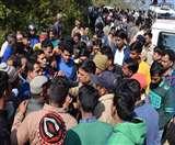 खुद को डीआइजी बातकर सिपाही ने युवक को अगवा किया, ग्रामीणों ने पकड़कर छुड़ाया ninital news