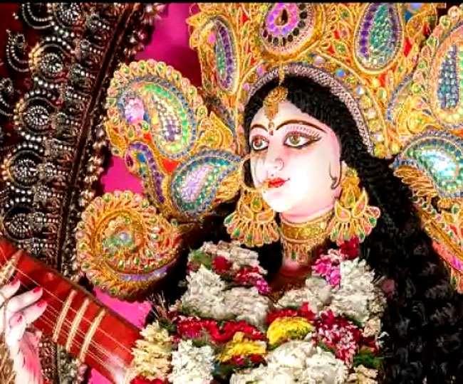 Saraswati Puja 2021: नवरात्रि के दौरान की जाती है सरस्वती पूजा, जानें तिथि, महत्व, शुभ मुहूर्त और पूजा विधि