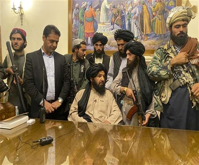 तालिबान के कब्जे के बाद अफगानिस्तान संकट गहराया