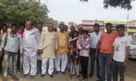 ग्राम पंचायत ने ग्रामीणों को मतदान के लिए किया जागरूक