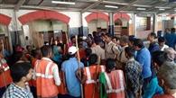 आरपीएफ के विरोध में रेलवे सफाईकर्मियों ने किया प्रदर्शन