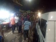 स्टेशन चौक के दुकानदारों को पुलिस ने फटकारा