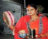 Karva Chauth : महिलाएं आज करेंगी करवा चौथ, इस पूजन विधि को अपनाना होगा बेहतर Muzaffarpur News