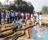 कॉलेज की छात्र-छात्राओं ने रेत में उकेरी श्रीराम-सीता की आकृति Barabanki News
