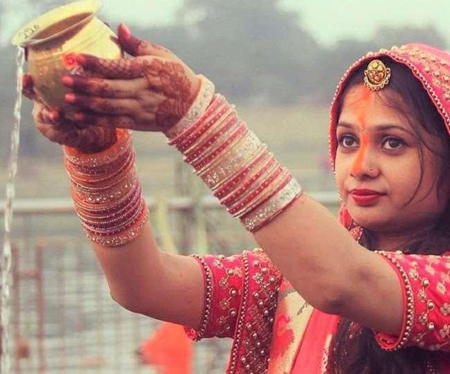 Chhath Puja Songs: इन गानों से शुरू करें छठ पूजा की तैयारियां, फिर से हुआ वायरल शारदा सिन्हा का ये गीत