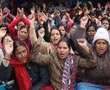 कांग्रेस नेताओं ने आंगनबाडी कार्यकर्ताओं के आंदोलन को दिया समर्थन Dehradun News