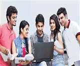 उच्च शिक्षा में कितनी आगे बढ़ रही है दिल्ली, जानें लोगों की राय