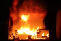 शार्ट सर्किट से लगी ऑटो पार्ट्स दुकान में आग