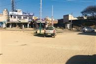 सुविधाओं के अभाव में दम तोड़ रहा बलाचौर का बस स्टैंड