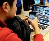 दिल्ली-एनसीआर में बच्चों को इंटरनेट की लत, क्राई ने जारी की रिपोर्ट