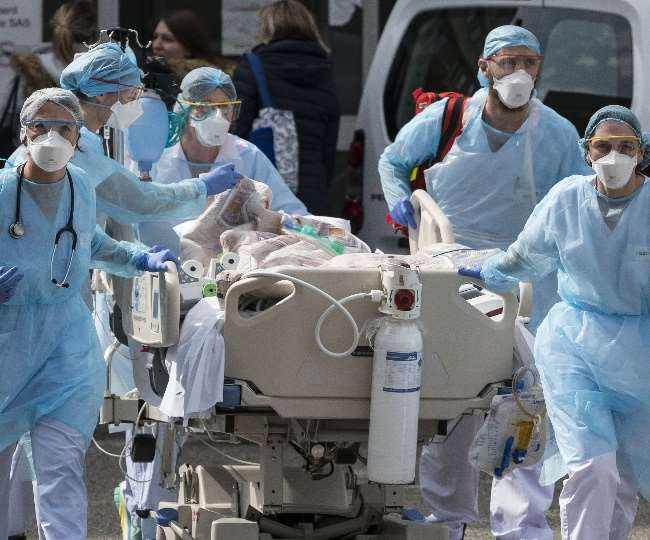ब्रिटेन, दक्षिण अफ्रीका और ब्राजील में पाए गए कोरोना वैरिएंट ने देश में 400 लोगों को संक्रमित किया है।
