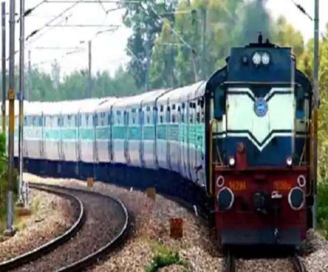होली त्यौहार के लिए विशेष ट्रेनों का एलान (फाइल फोटो)