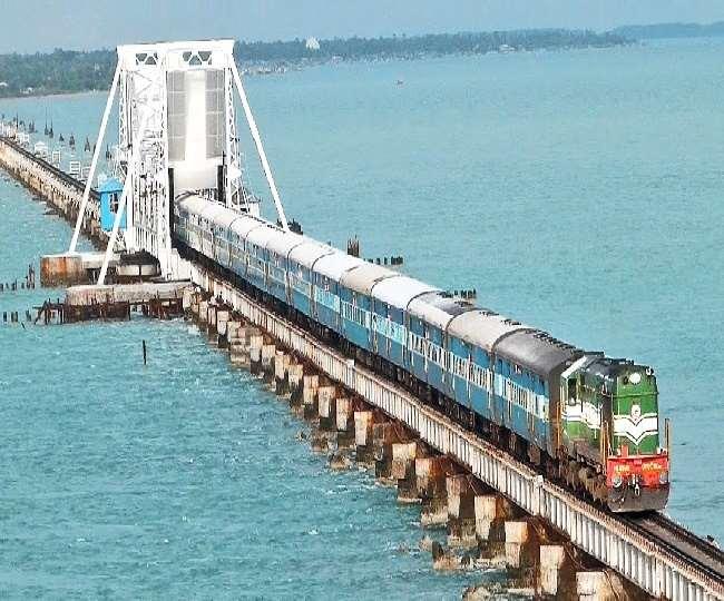 रेलवे पुल टूटने से होने वाली दुर्घटनाओं को रोकने के लिए भारतीय रेलवे पुख्ता एहतियाती उपाय कर रहा है