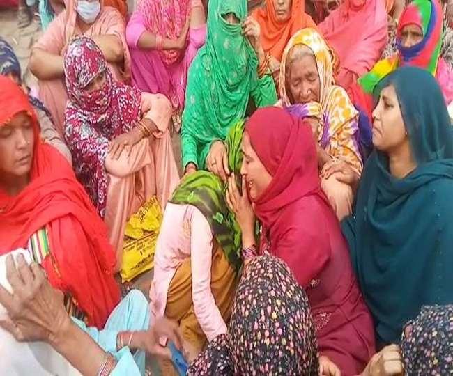 जरा सी बात पर युवक ने फंदे पर लटककर दे दी जान Aligarh News