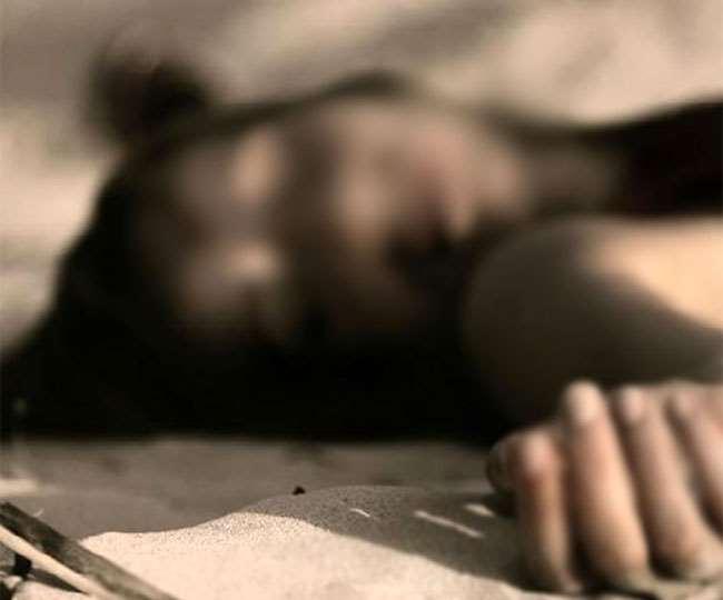 Jharkhand Chatra Crime News महिला का शव जंगल से बरामद किया गया है।