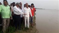 बाढ़ के बाद आई बीमारियों की बाढ़