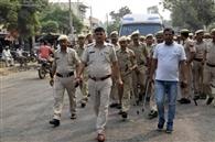 पुलिस व आईआरबी ने किया फ्लैग मार्च