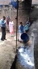 टीम ने सौ लीटर दूषित दूध नाली में फिंकवाया, भरा खोवा का नमूना