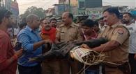 पुलिस ने फूंकने से रोका प्रदेश सरकार का पुतला