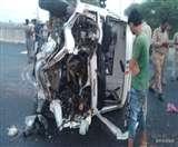 लखनऊ एक्सप्रेस वे अथॉरिटी की एंबुलेंस दुर्घटनाग्रस्त, छह घायल, हालत गंभीर Agra News