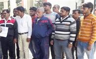 बालिका की मौत पर आरोप, तहरीर में पालिका को दी क्लीनचिट
