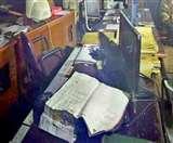 Axis Bank की खिड़की तोड़ चोरी का प्रयास, नहीं खोल पाए स्ट्रांग रूम के ताले Ludhiana News