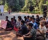 बीएचयू में मुस्लिम प्रोफेसर की नियुक्ति के विरोध में प्रदर्शनकारी छात्रों ने किया हनुमान चालीसा का पाठ