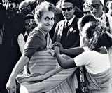 Indira Gandhi के वो फैसले जो हमेशा रहेंगे याद, वैश्विक मंच पर भारत को दिलाई थी पहचान