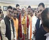कानून व्यवस्था के सवाल को कुछ इस अंदाज में टाल गए भाजपा प्रदेश अध्यक्ष Agra News