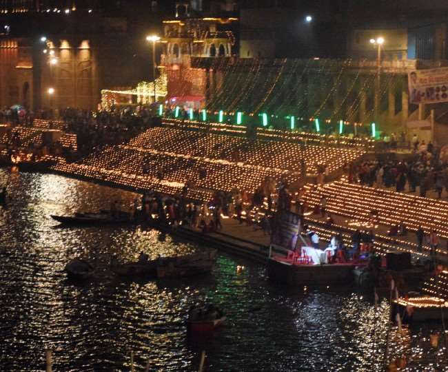 Kashi Dev Deepawali 2020: Yogi Government now preparing for grand Dev Diwali  in Kashi 84 ghats will be decorated with 15 lakh lamps