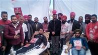 300 युवाओं ने किया रक्तदान