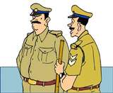जमीन पर कब्जा कराने के मामले में भूमाफिया के साथ फंसे इंस्पेक्टर Bareilly News