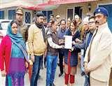 सीएए का विरोध : अलीगढ़ में 60-70 महिलाओं के खिलाफ केस दर्ज, लखनऊ में प्रदर्शन जारी