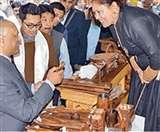 दिल्ली हाट में शुरू हुई इनचैंटिंग लद्दाख प्रदर्शनी, उपराज्यपाल ने कहा- राष्ट्रीय स्तर पर देंगे बढ़ावा
