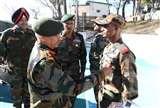 Jammu Kashmir: थलसेना अध्यक्ष जनरल नरवने ने जवानों से कहा दुश्मनों की हरकतों का कड़ा जवाब दें