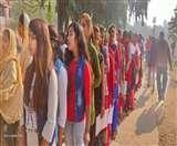 Bihar board Matric Examination 2020 : कैमरे की नजर से कुछ इस तरह दिख रहा मैट्रिक परीक्षा का तीसरा दिन