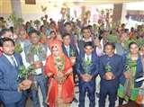 बांदा में चल रही अनोखी मुहिम, दुल्हन के पिता ने 'पेड़ प्रसाद' से किया बरातियों का स्वागत