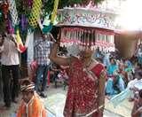 दहेज की कुरीति से दूर बिहार का यह आदिवासी समाज, यहां शादी कर रहे जोड़े को मिलता भगवान का दर्जा