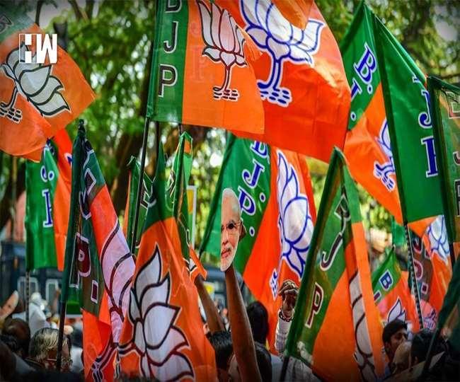 सिंगुर सीट से रवींद्रनाथ भट्टाचार्य के नाम की घोषणा करने के बाद से स्थानीय भाजपा कार्यकर्ताओं में काफी रोष
